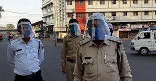 bhopal, 700 policemen, given face shield , save  corona