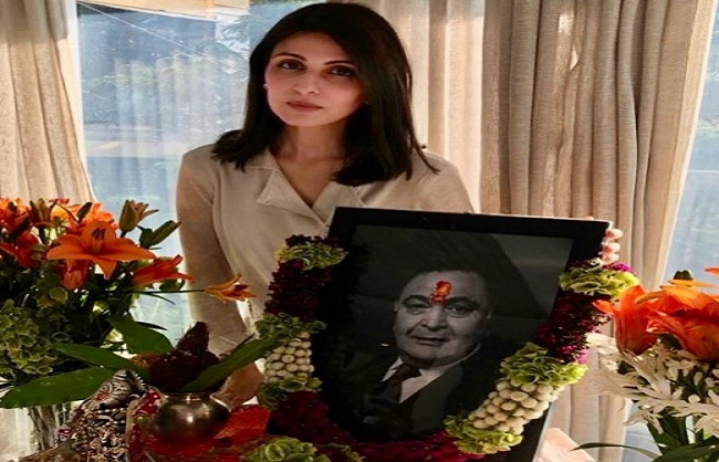 mumbai, Riddhima Kapoor Sahni, shared pictures, father Rishi Kapoor, prayer meeting