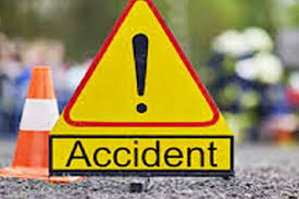 shivpuri, Eight injured, collision ,between truck and bus, filled laborers