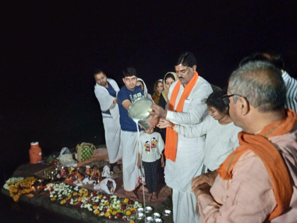 bhopal, Narmada Aarti, performed , Maheshwar Ghat , Agriculture Minister