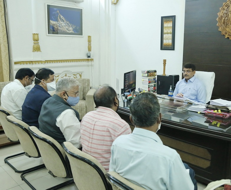 ujjain,  commissioner reviewed, construction works, gave instructions