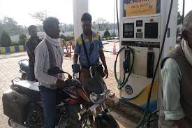 Anuppur, Ordinary petrol,reached beyond ,100 rupees in the district
