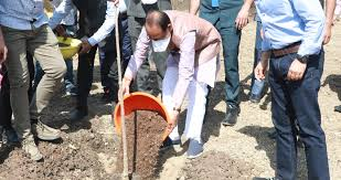 bhopal,Chief Minister Chouhan, planted sapterpani ,smart park